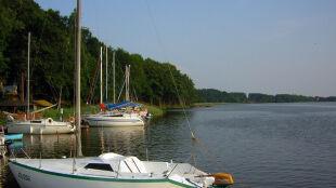 Na najdłuższym polskim jeziorze wybudują ekomariny. Każdą za cztery miliony złotych