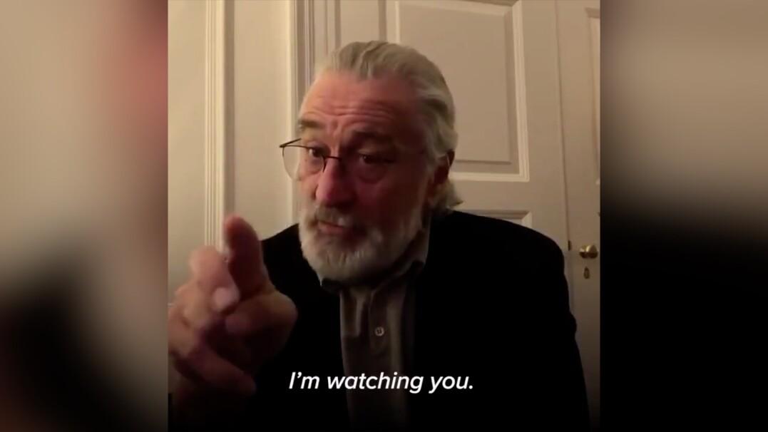 """Apel Roberta De Niro. """"Wszyscy musimy zostać w domu"""""""