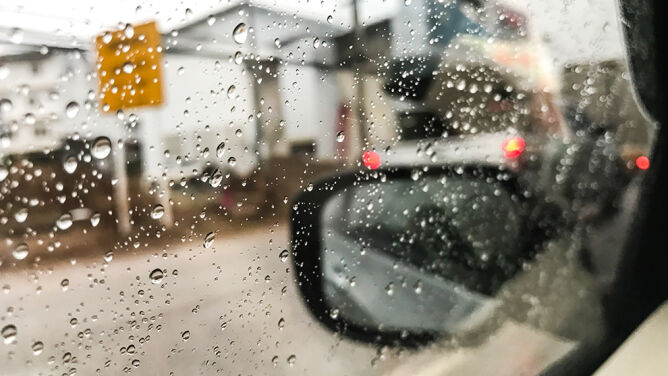 Deszcz może przeszkadzać podczas jazdy