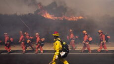 Pożary nie odpuszczają Kalifornii (PAP/EPA/ETIENNE LAURENT)
