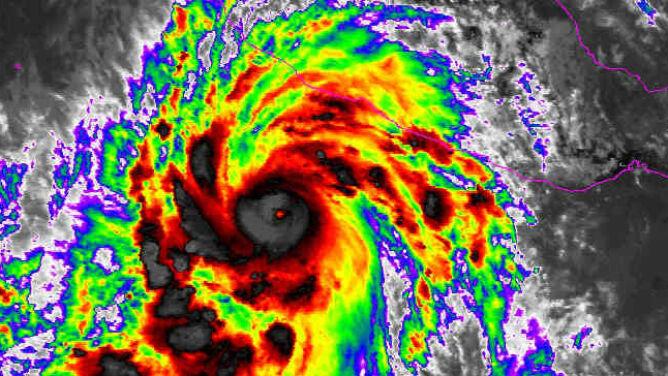 Rekordowy huragan coraz bliżej Meksyku. Prędkość wiatru to aż 325 km/h
