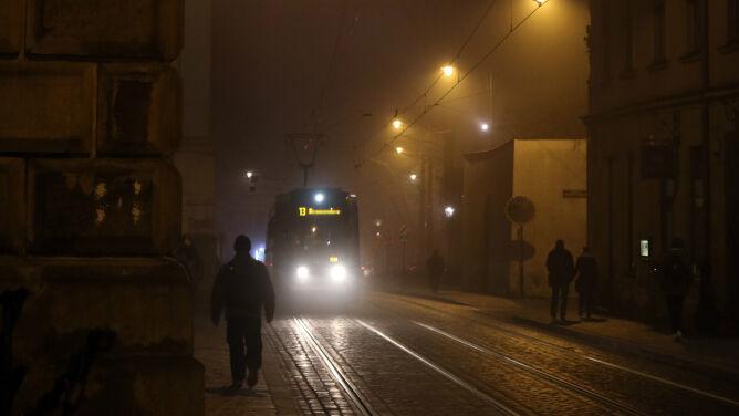 Wieczór ze smogiem. <br />W wielu miejscach jest fatalnie