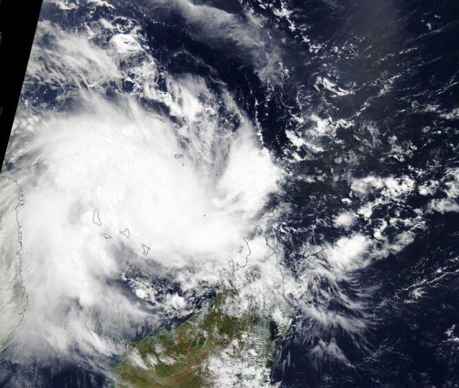 Cyklon Kenneth na zdjęciach satelitarnych (NASA Worldview, EOSDIS)